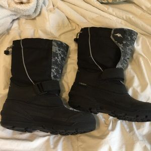 Kids tundra boots